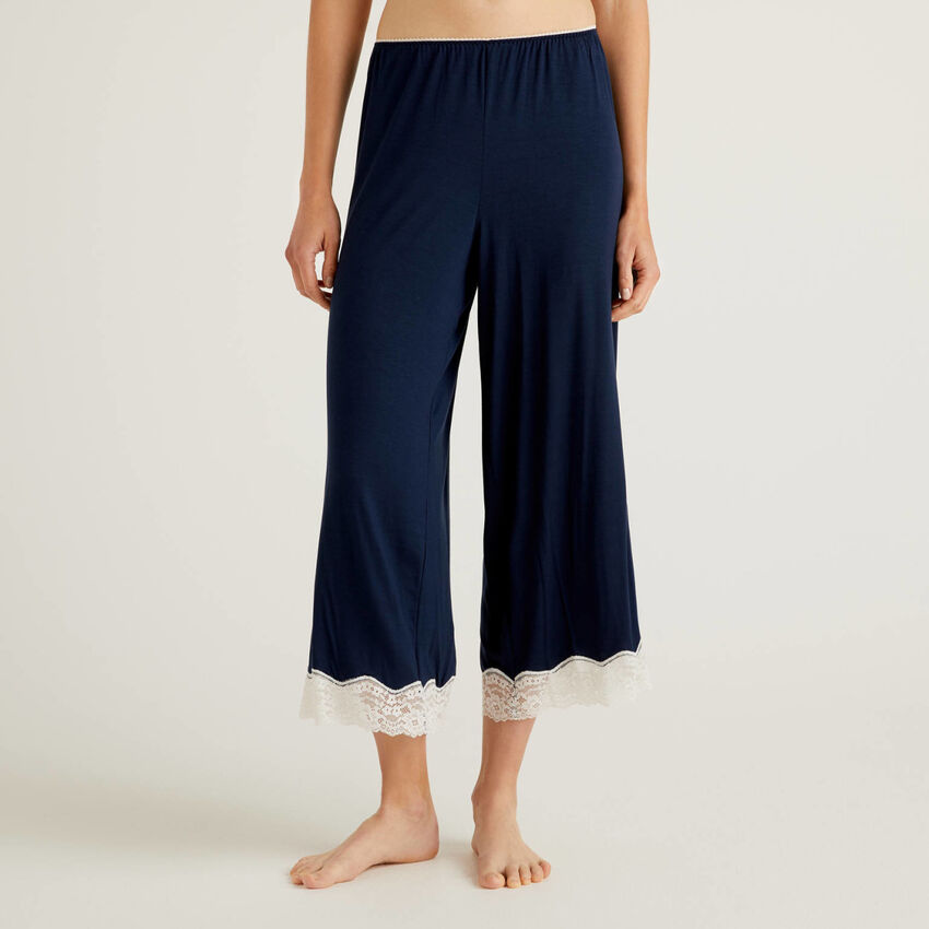 Pantalon cropped avec détails en dentelle