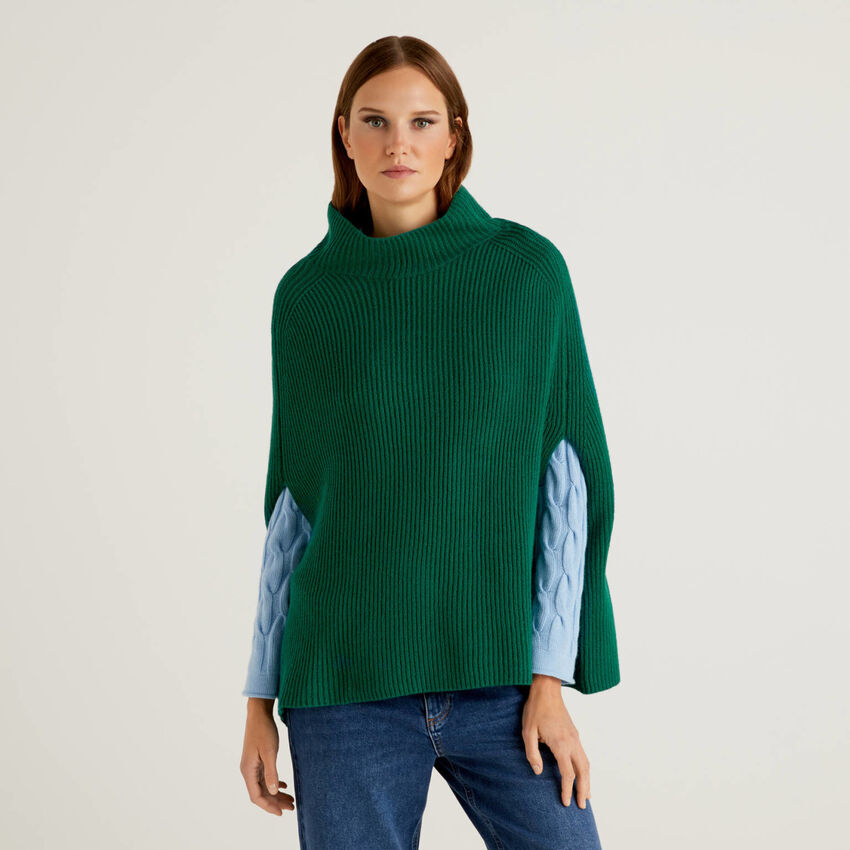 Poncho in soft wool blend