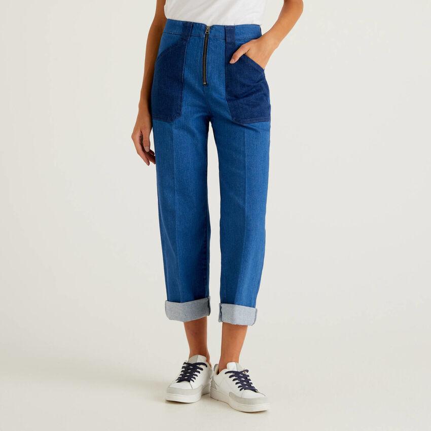 Jeans colorblock con gamba ampia