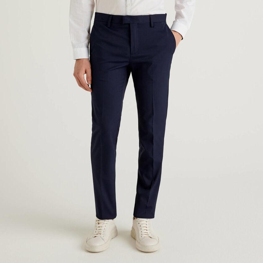 Pantaloni slim fit con piega