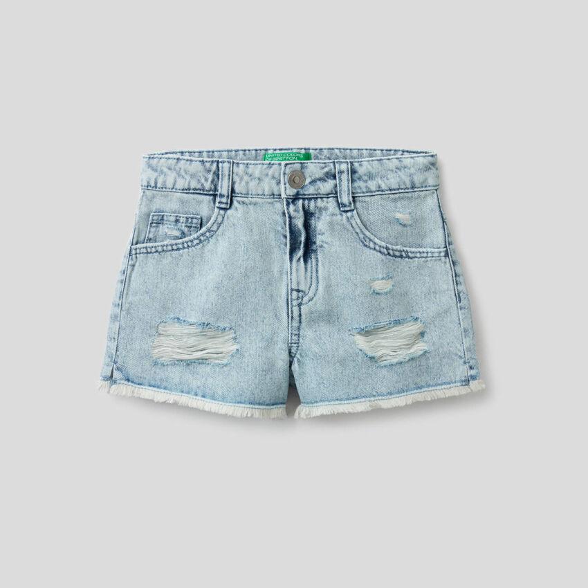 Short en jeans avec aspect usé