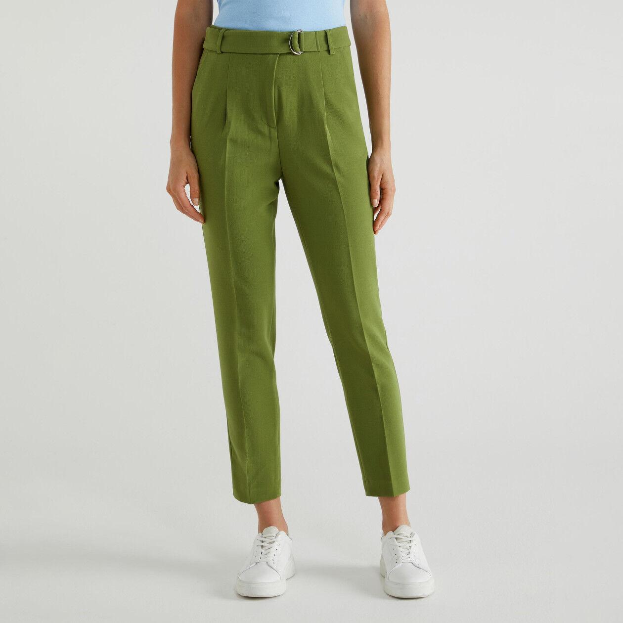 Pantalon avec ceinture à nouer