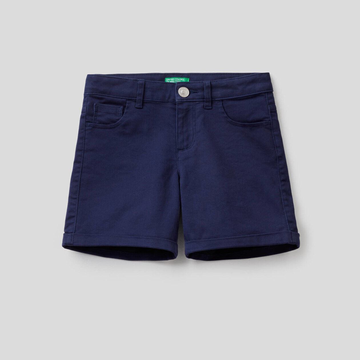 Five pocket solid color pockets