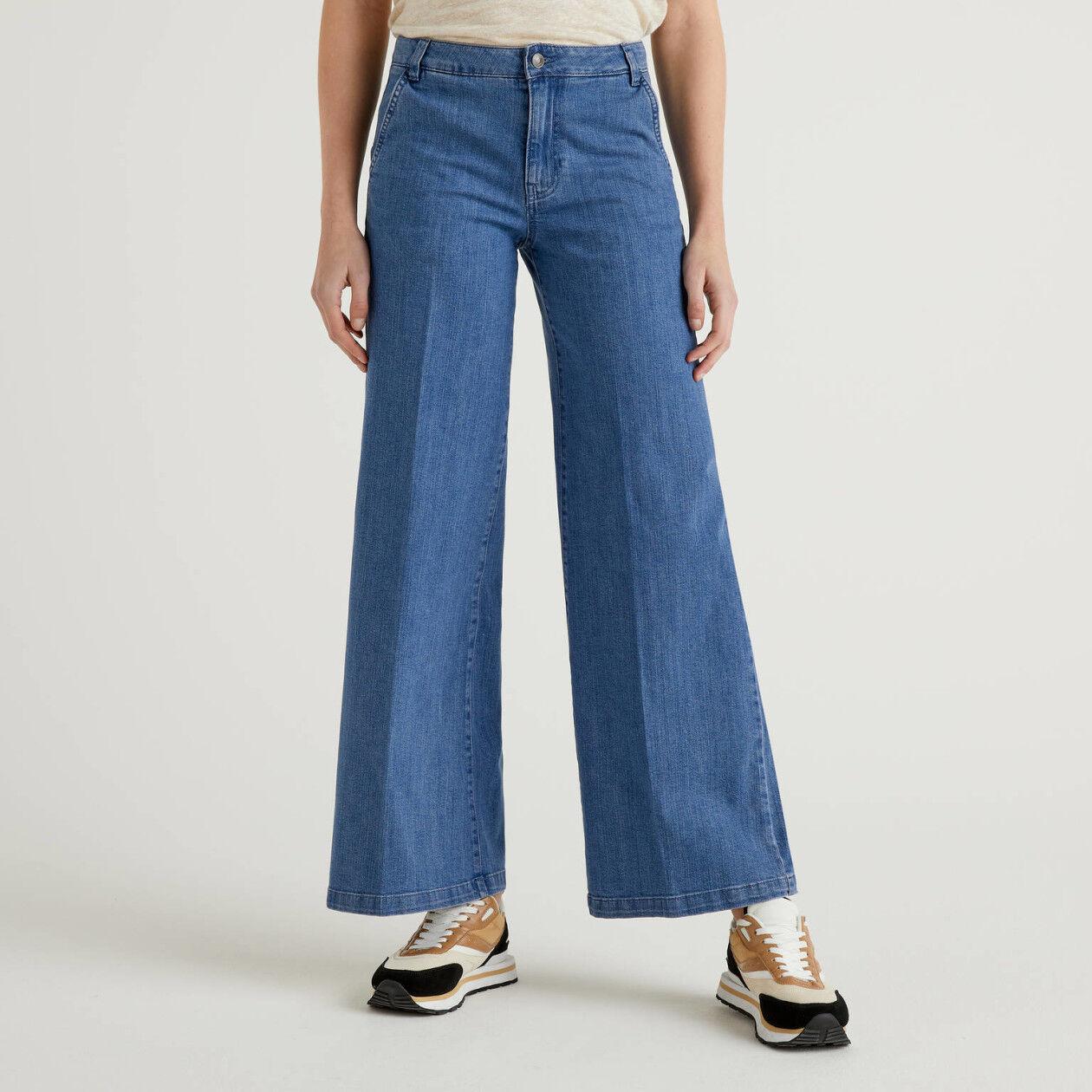 Jeans a zampa in cotone stretch
