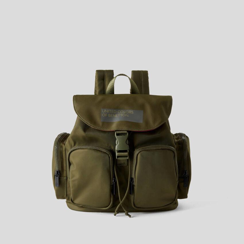 Petit sac à dos avec poches