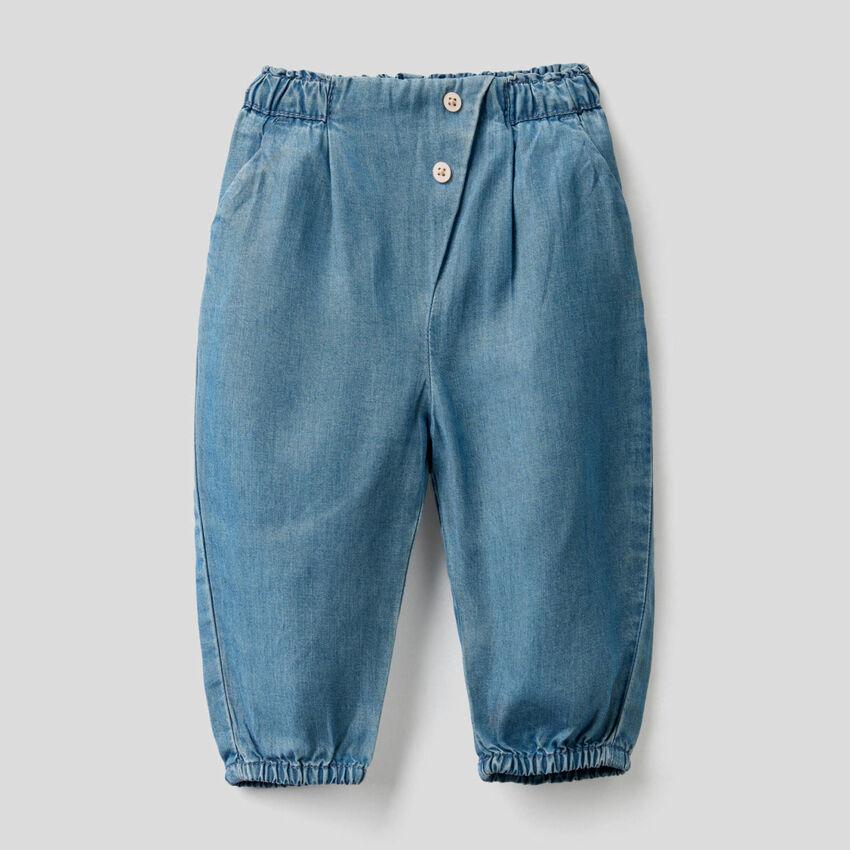 Pantaloni con vita arricciata