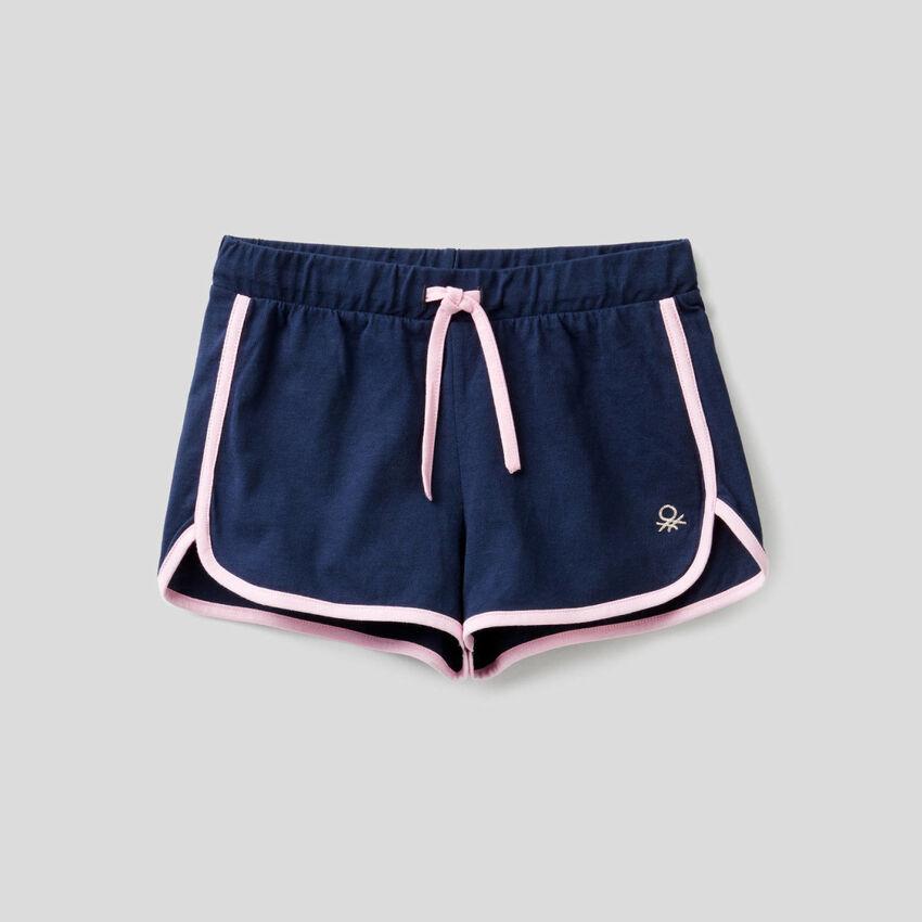 Shorts stile runner in 100% cotone