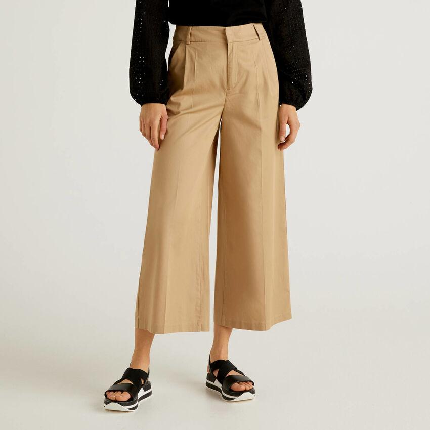 Pantalon à coupe ample avec pinces
