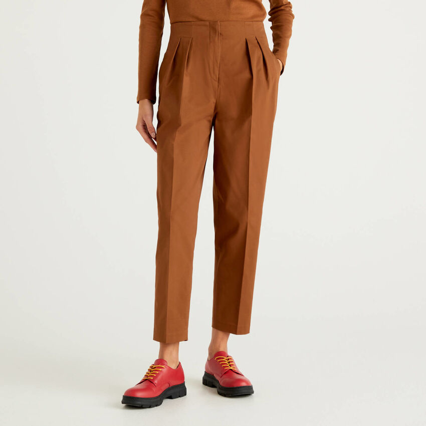Pantalon avec plis en coton stretch