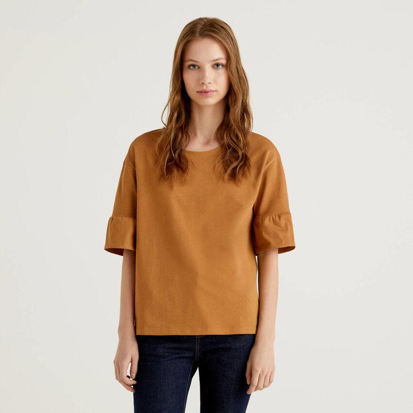 T-shirt con manica corta a volant