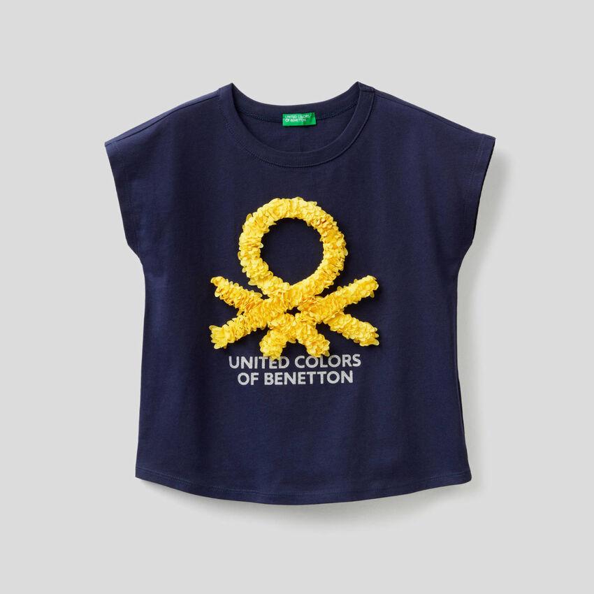 T-shirt avec pétales brodés