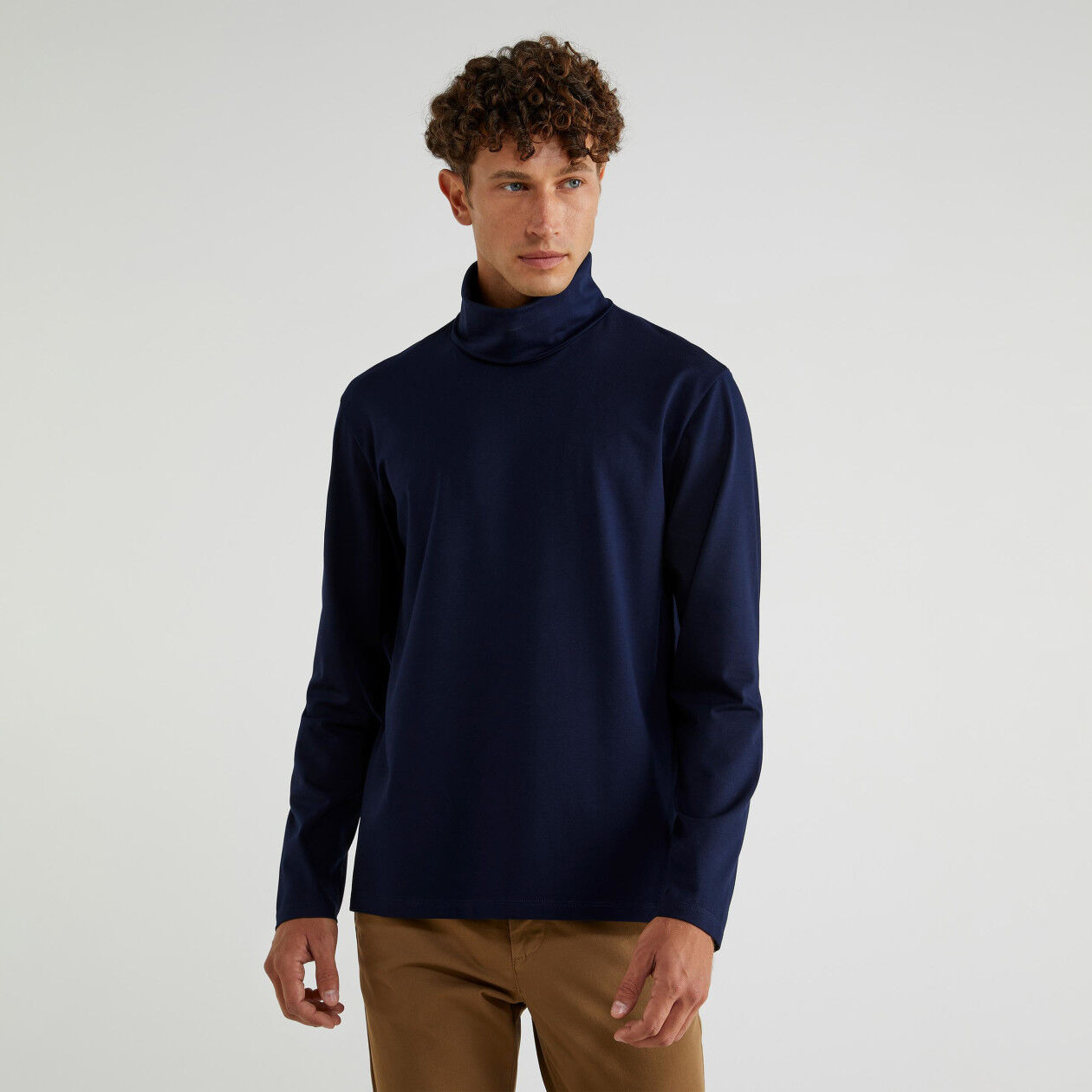 Pull col montant en jersey