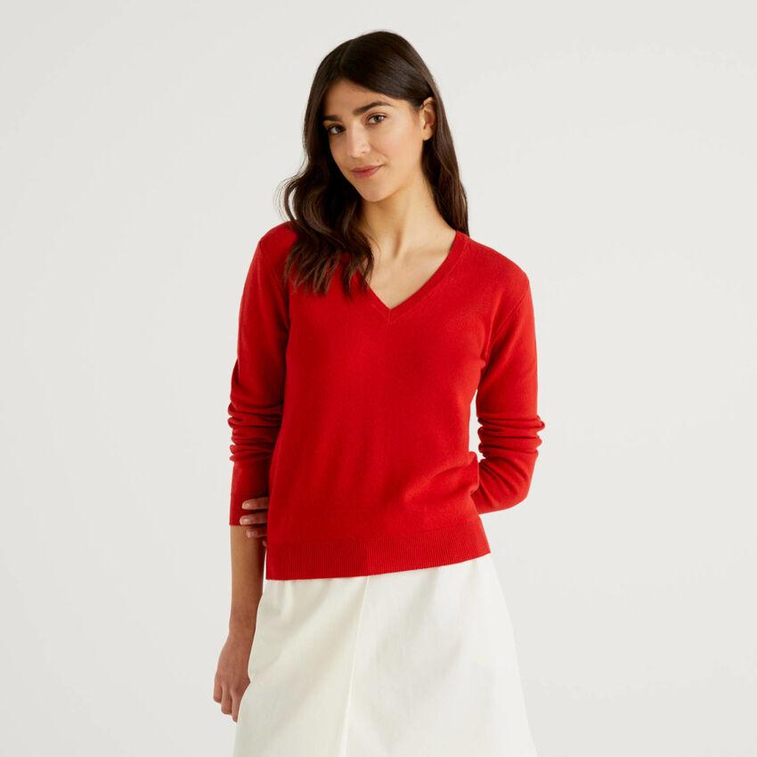 Maglia rosso con scollo a V in pura lana vergine