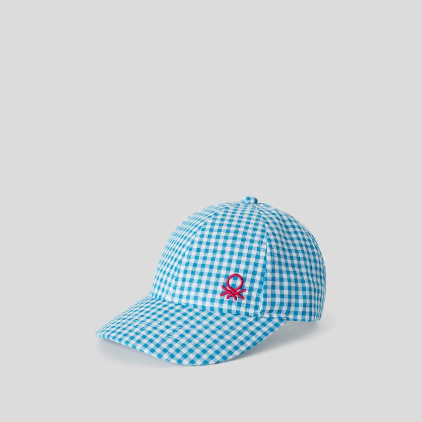 Cappellino azzurro fantasia vichy