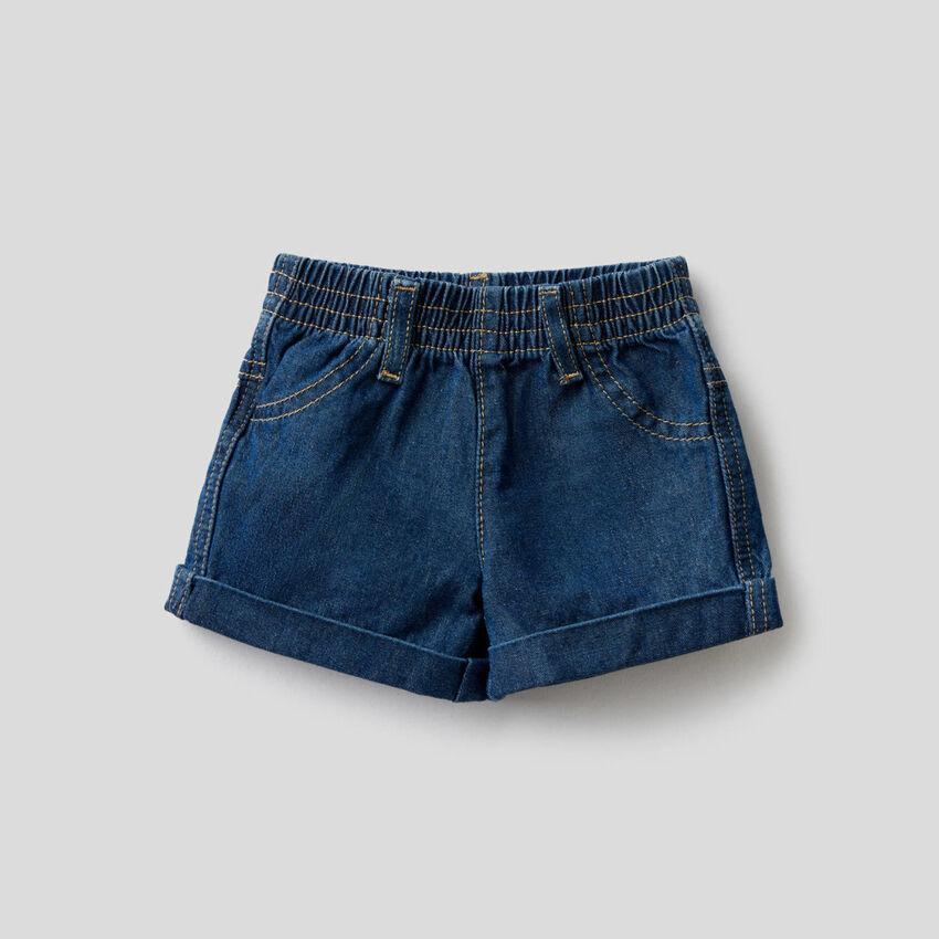 Shorts aus Denim in 100% Baumwolle