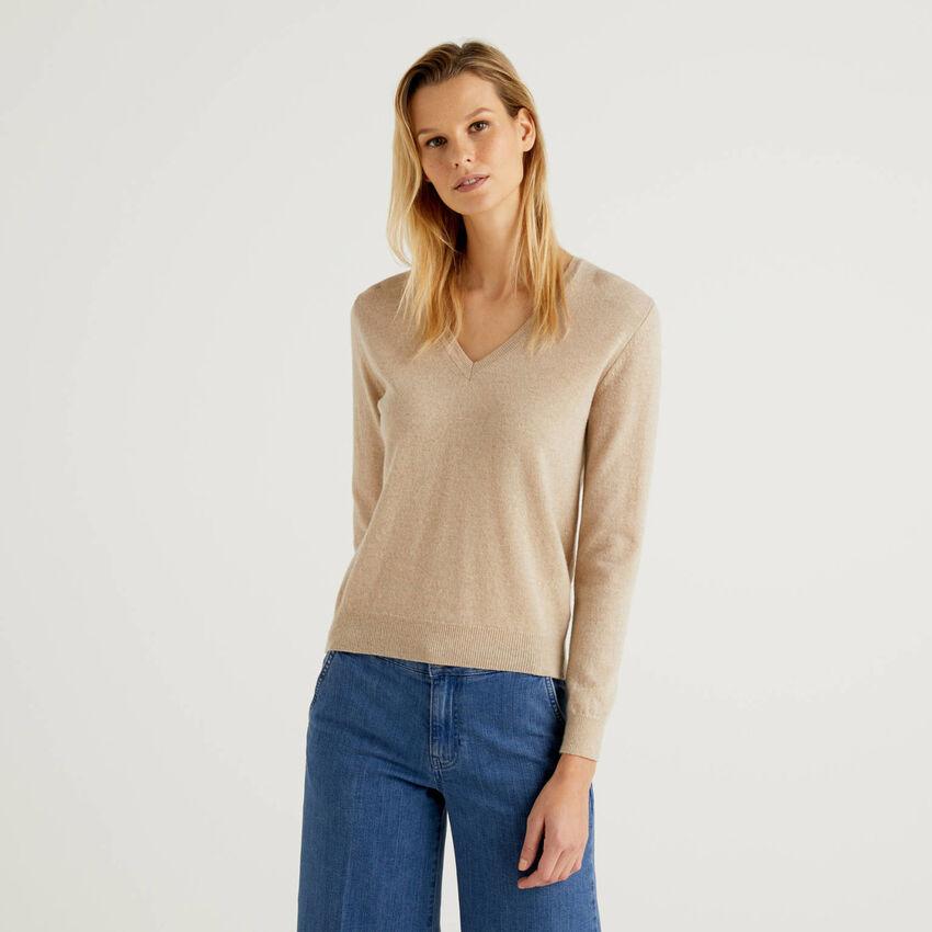 Maglia con scollo a V beige in pura lana vergine