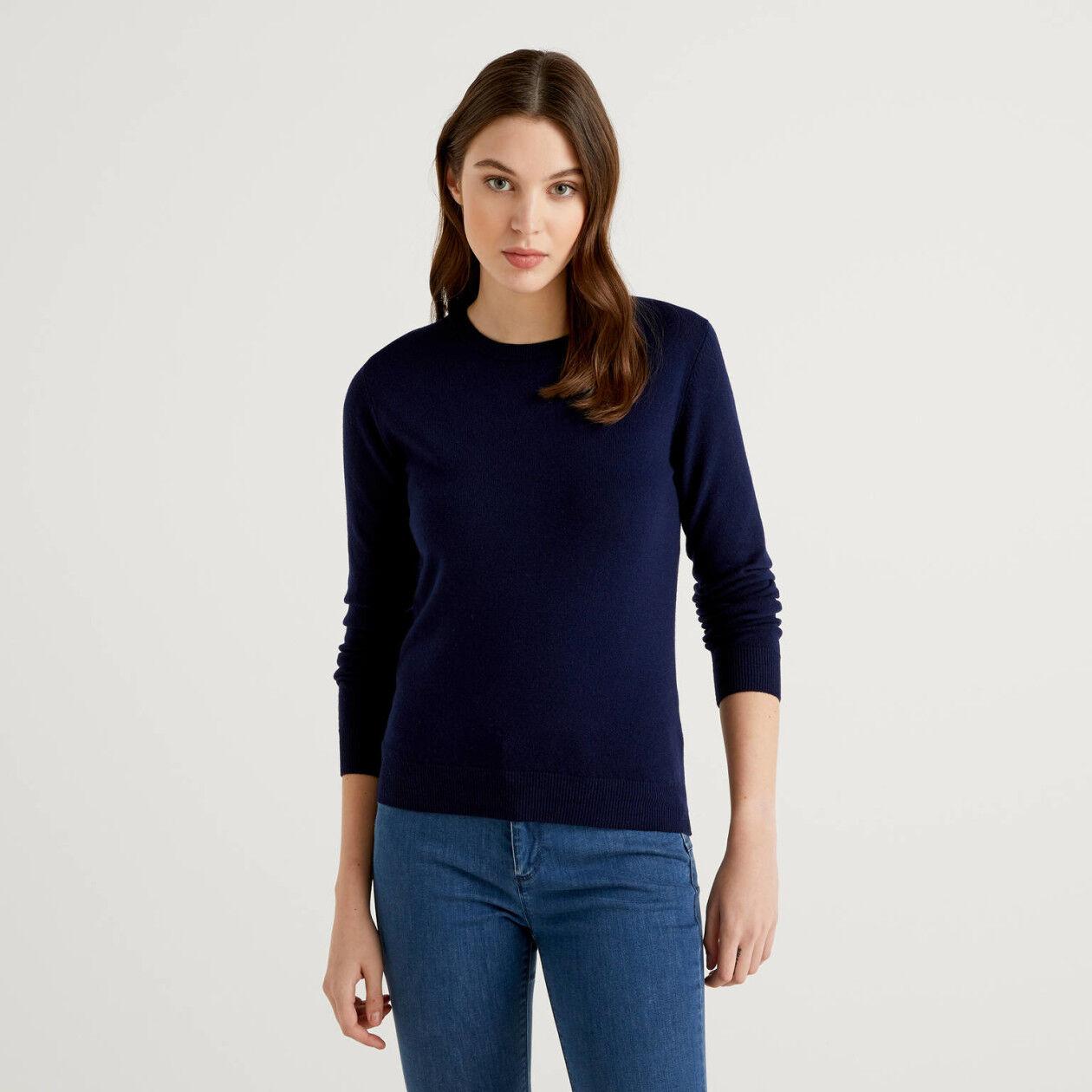 Pull bleu foncé col rond en pure laine vierge
