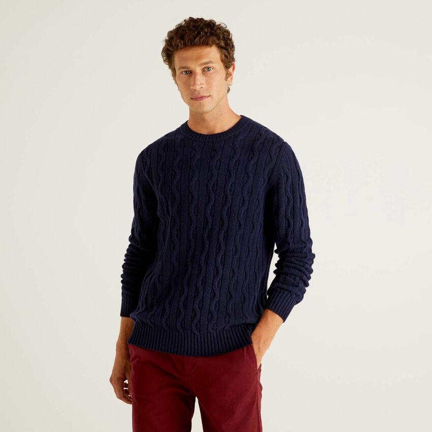 Pullover aus einer Wollmischung mit Flechtmuster