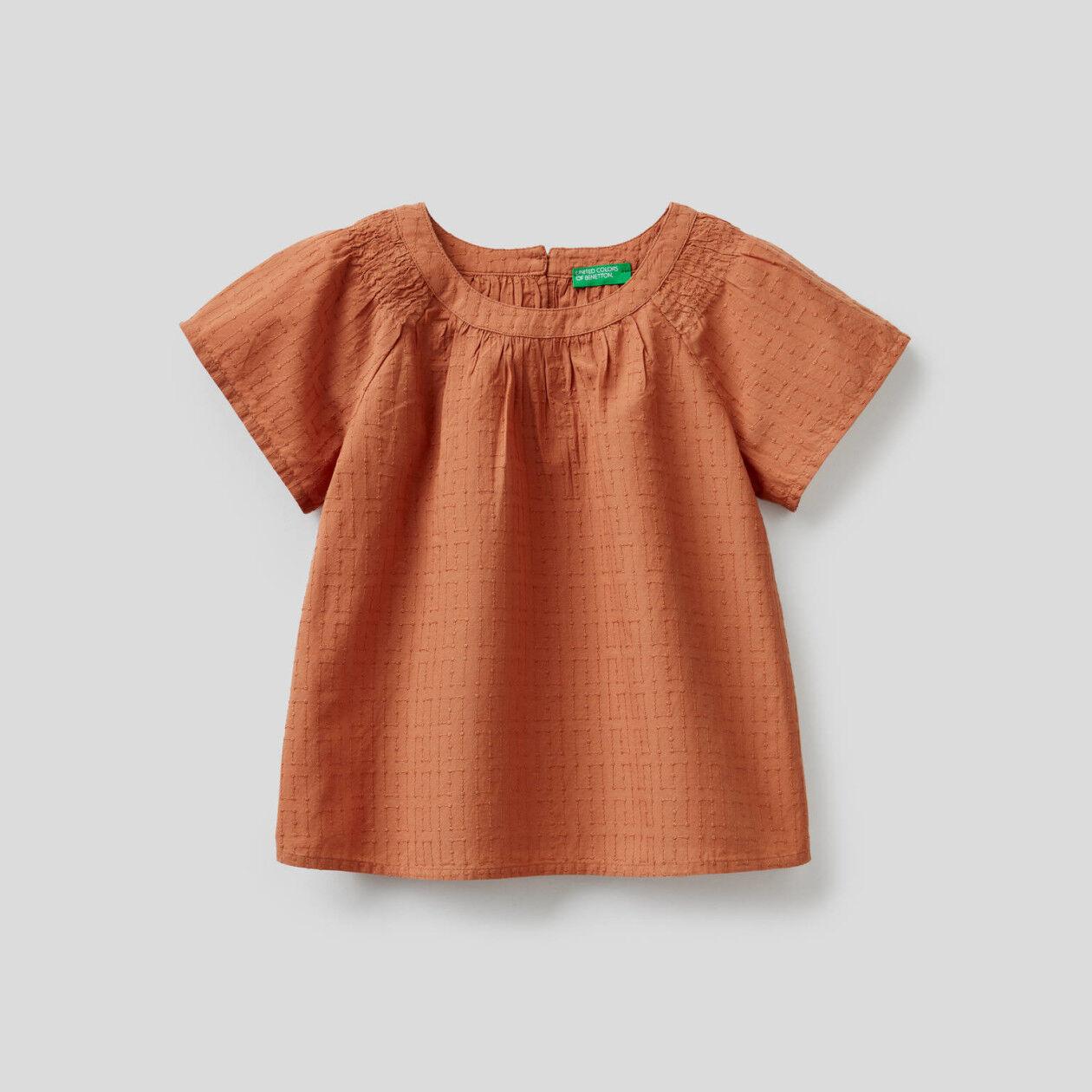 Bestickte Bluse aus 100% Baumwolle