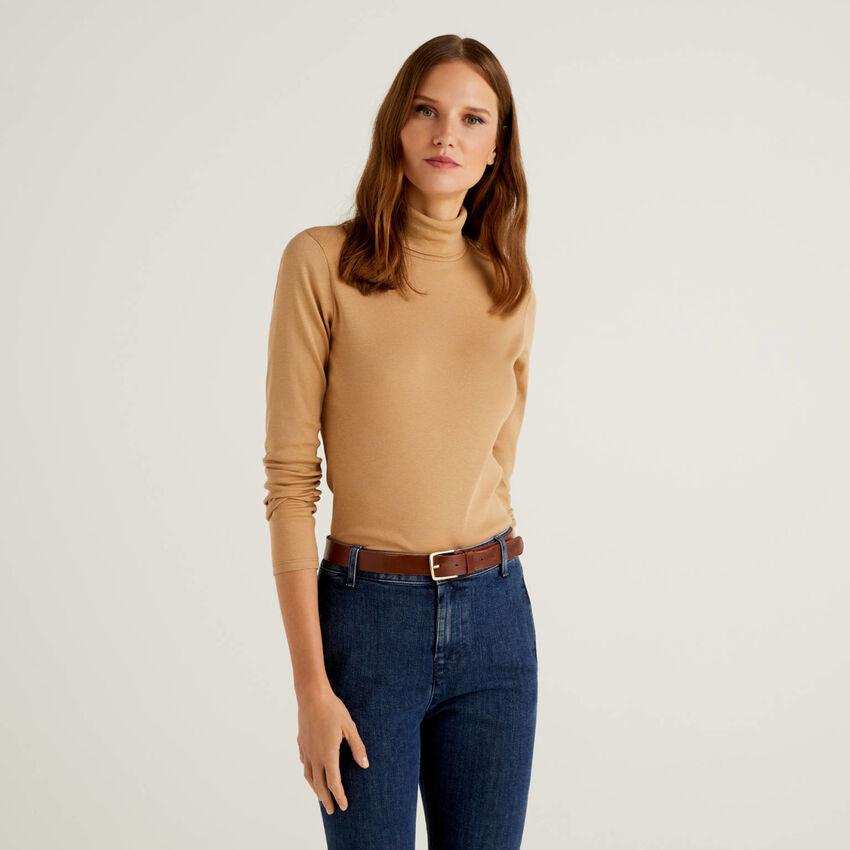 T-shirt a manica lunga con collo alto