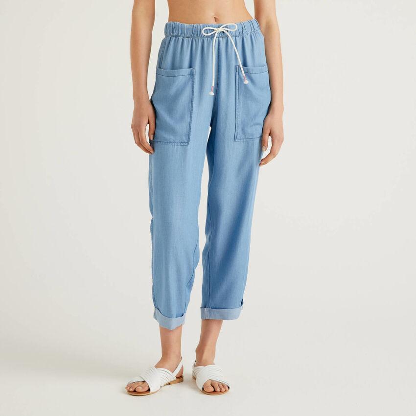 Pantaloni fluidi effetto jeans