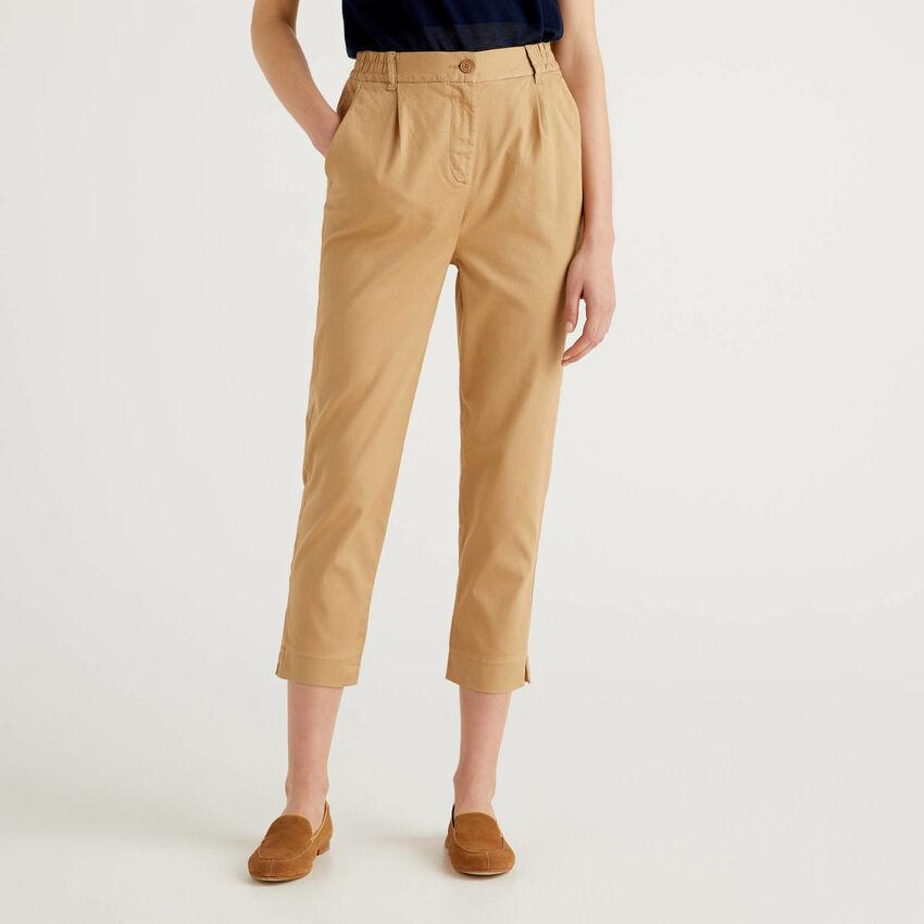 Pantaloni tinta unita in cotone stretch