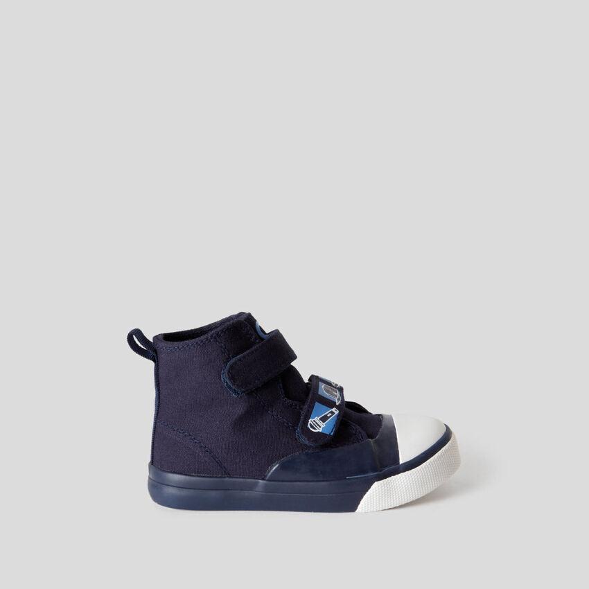 Sneakers montantes avec scratch