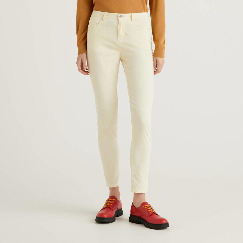 Pantalon cinq poches en velours