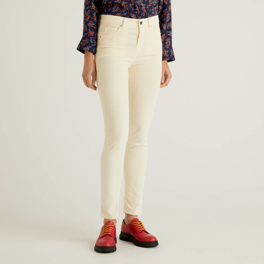 Pantalon coupe skinny en velours