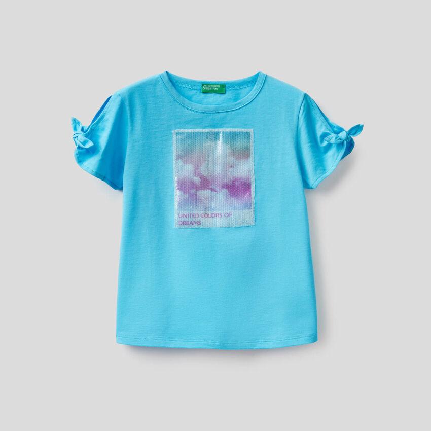 T-shirt con pannello in paillettes