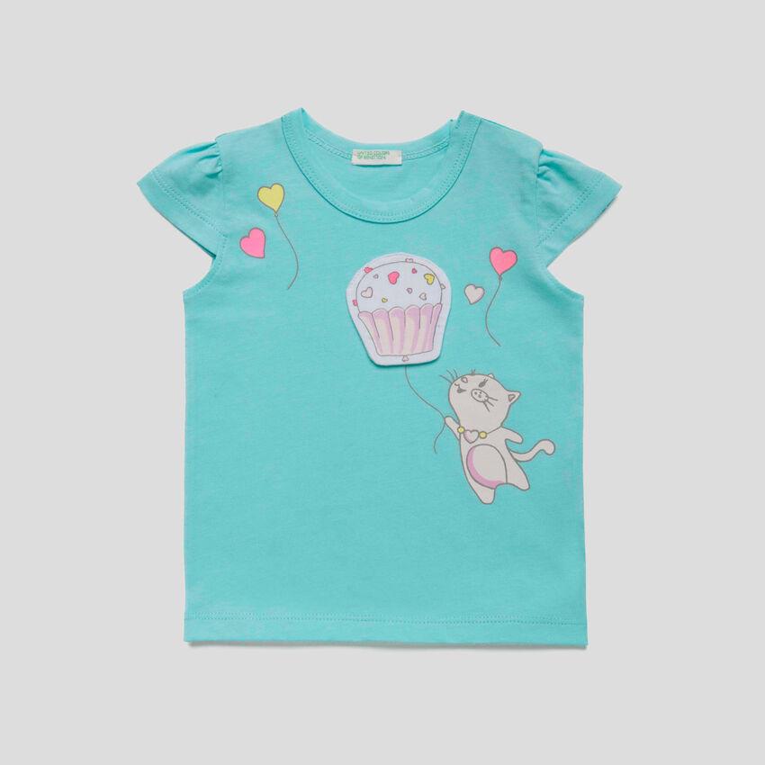 T-Shirt mit Print und Aufnähern