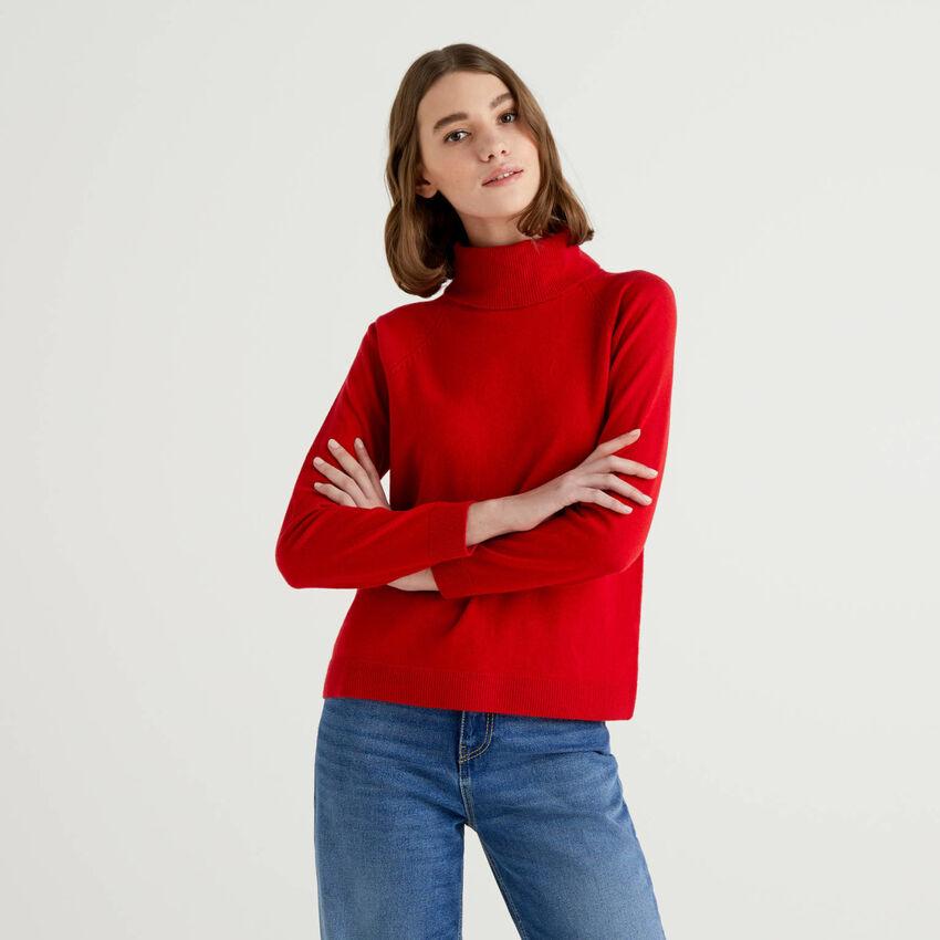 Maglione dolcevita rosso in misto lana e cashmere