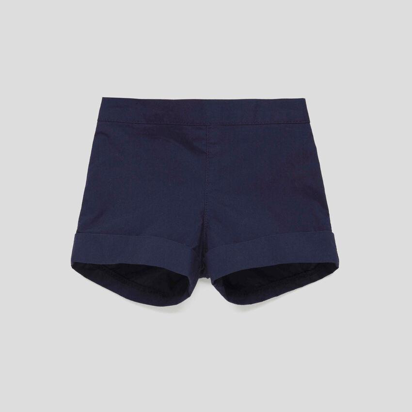 Shorts mit Saumaufschlag
