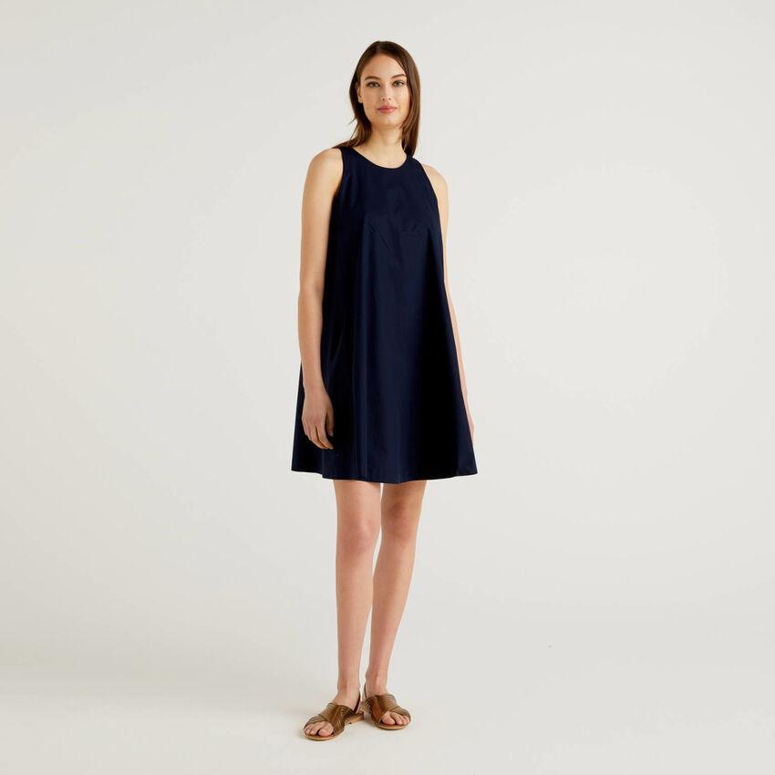 Ärmelloses Kleid in Trapezform