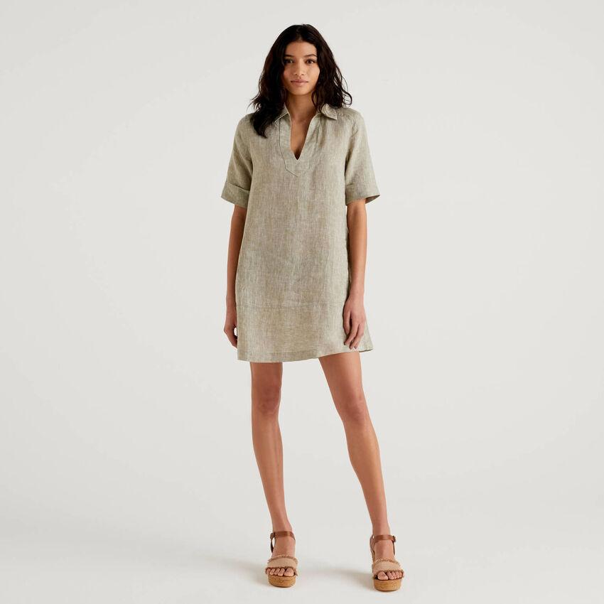 Kurzes Kleid aus 100% Leinen