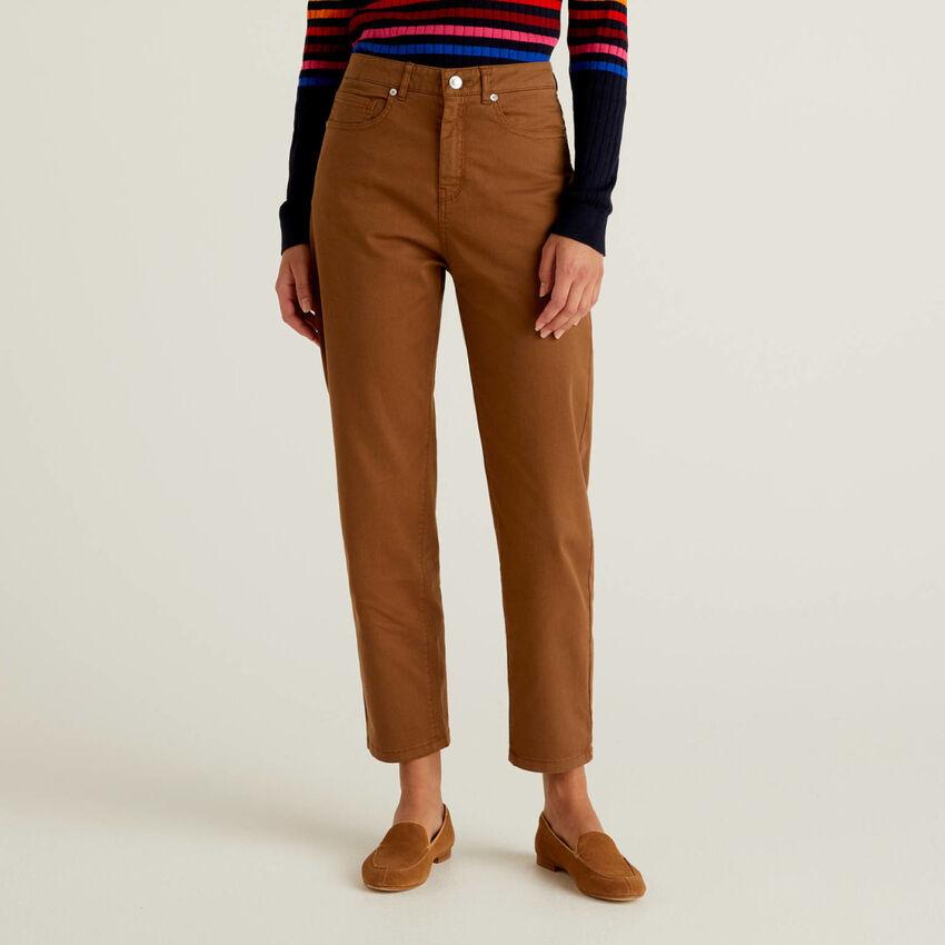 Pantaloni boyfriend in cotone stretch
