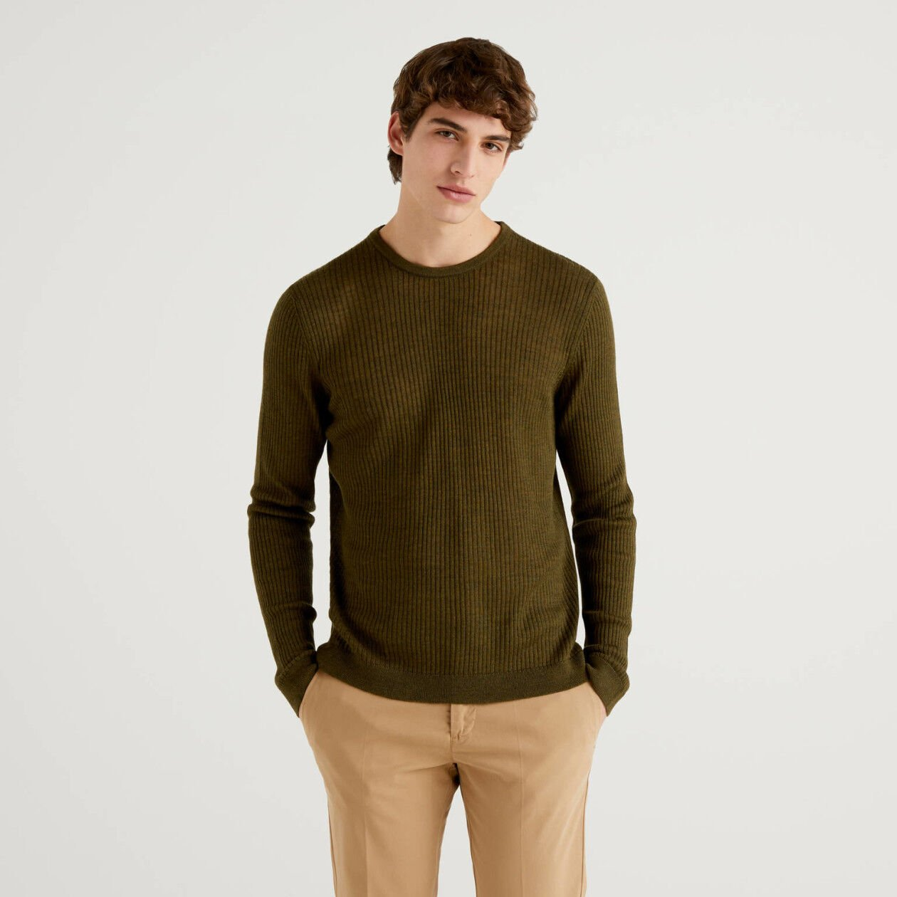 Ribbed crew neck sweater